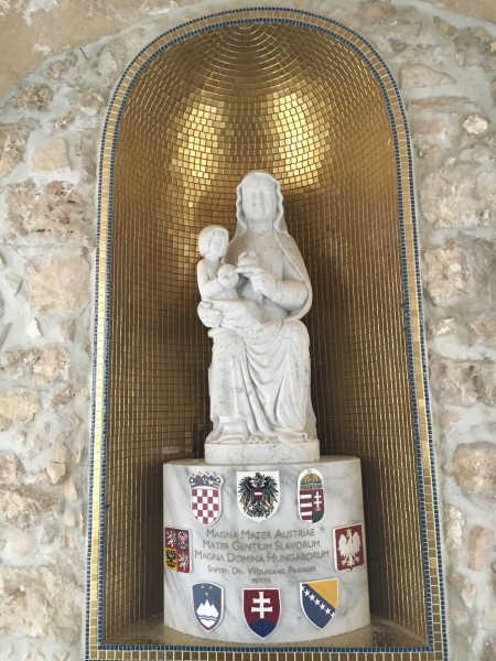 Statue im Österreichischen Hospiz in Jerusalem