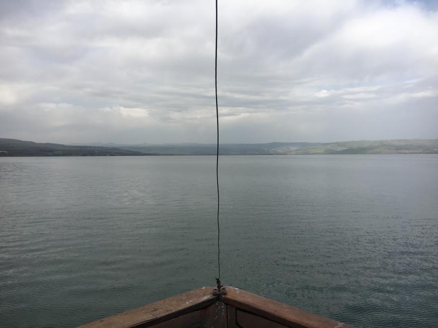 Kleines Stückchen Bug von einem Schiff am See Genezareth