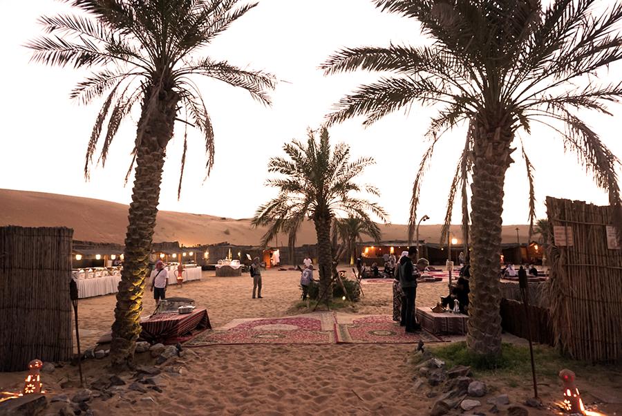 Abendessen mitten in der Wüste in einem Beduinencamp
